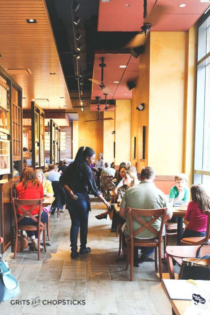 tupelo-honey-restaurant-atmosphere-2