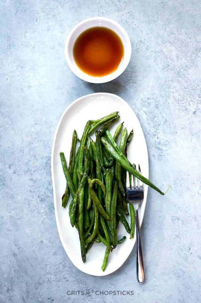 the best roasted green beans that cook in a 400 degree oven for 20 minutes, leaving you with extra time to make your main dish!