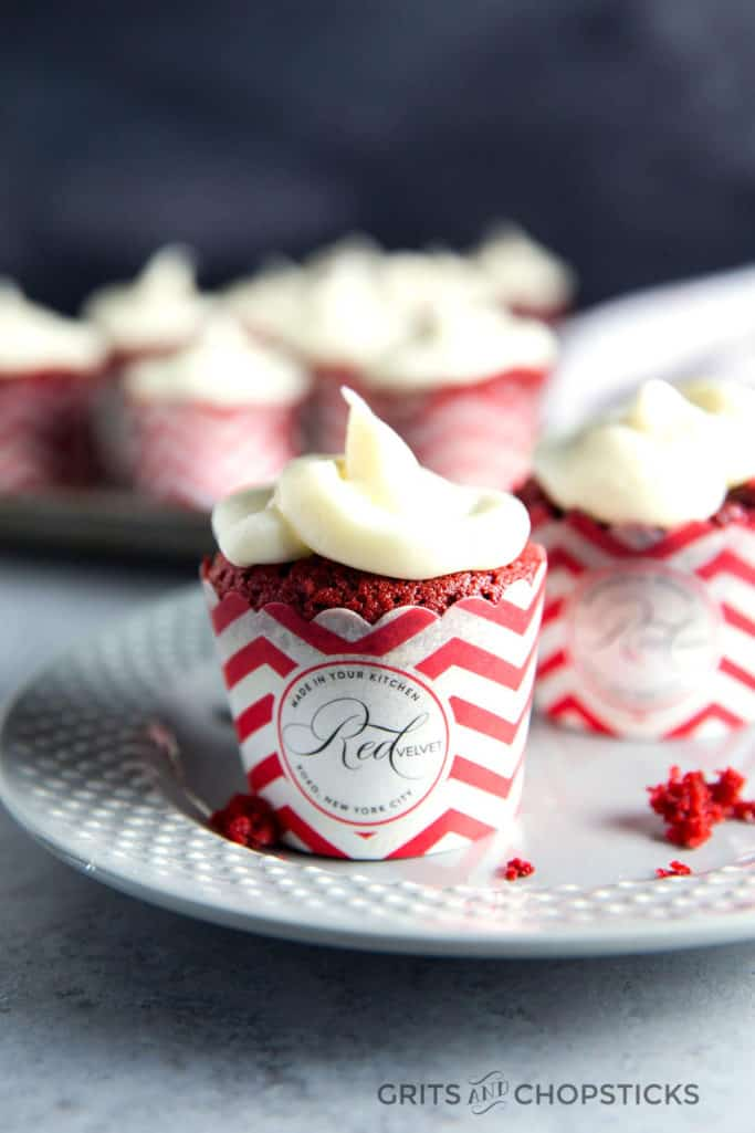 giveaway: red velvet nyc cupcake kit!