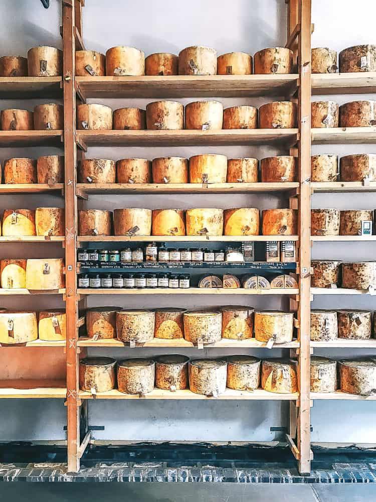 borough market's top five eats - neal's yard dairy