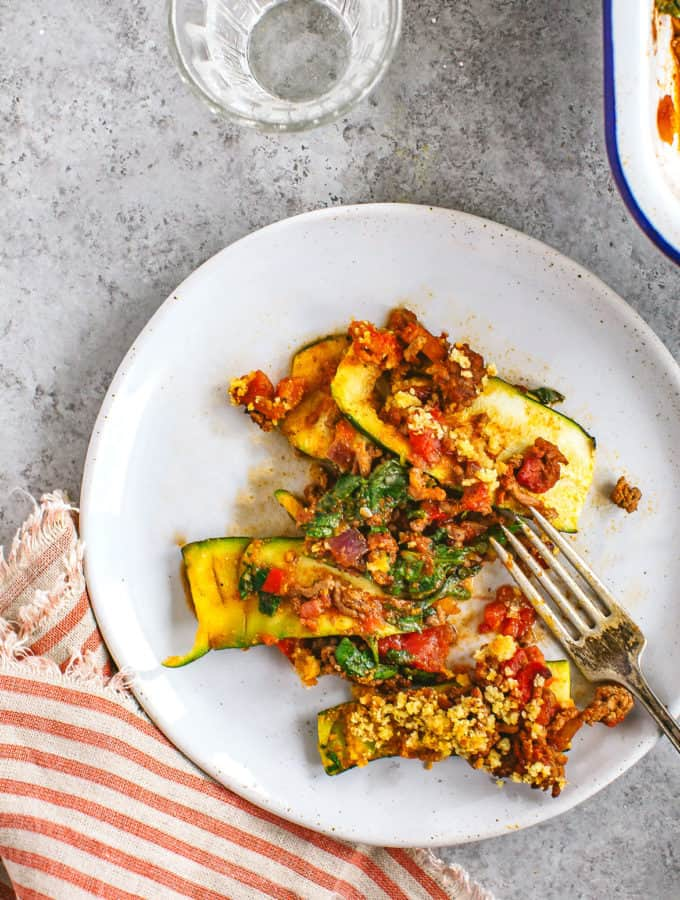 Try this spicy beef zucchini bake for a clean/paleo dinner! It's super flavorful!