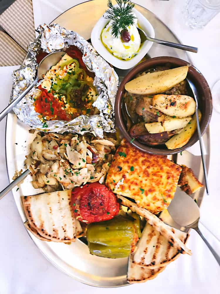 The Best Traditional Things to Eat in Greece